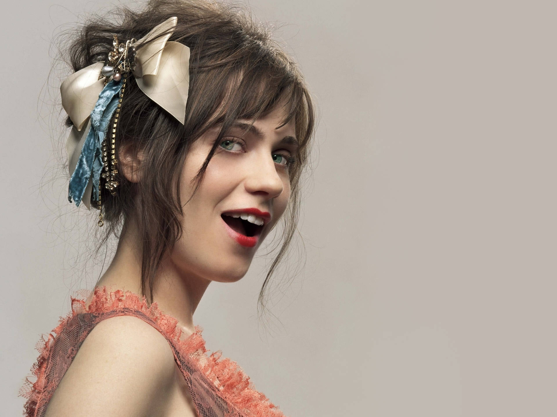 woman models zooey deschanel