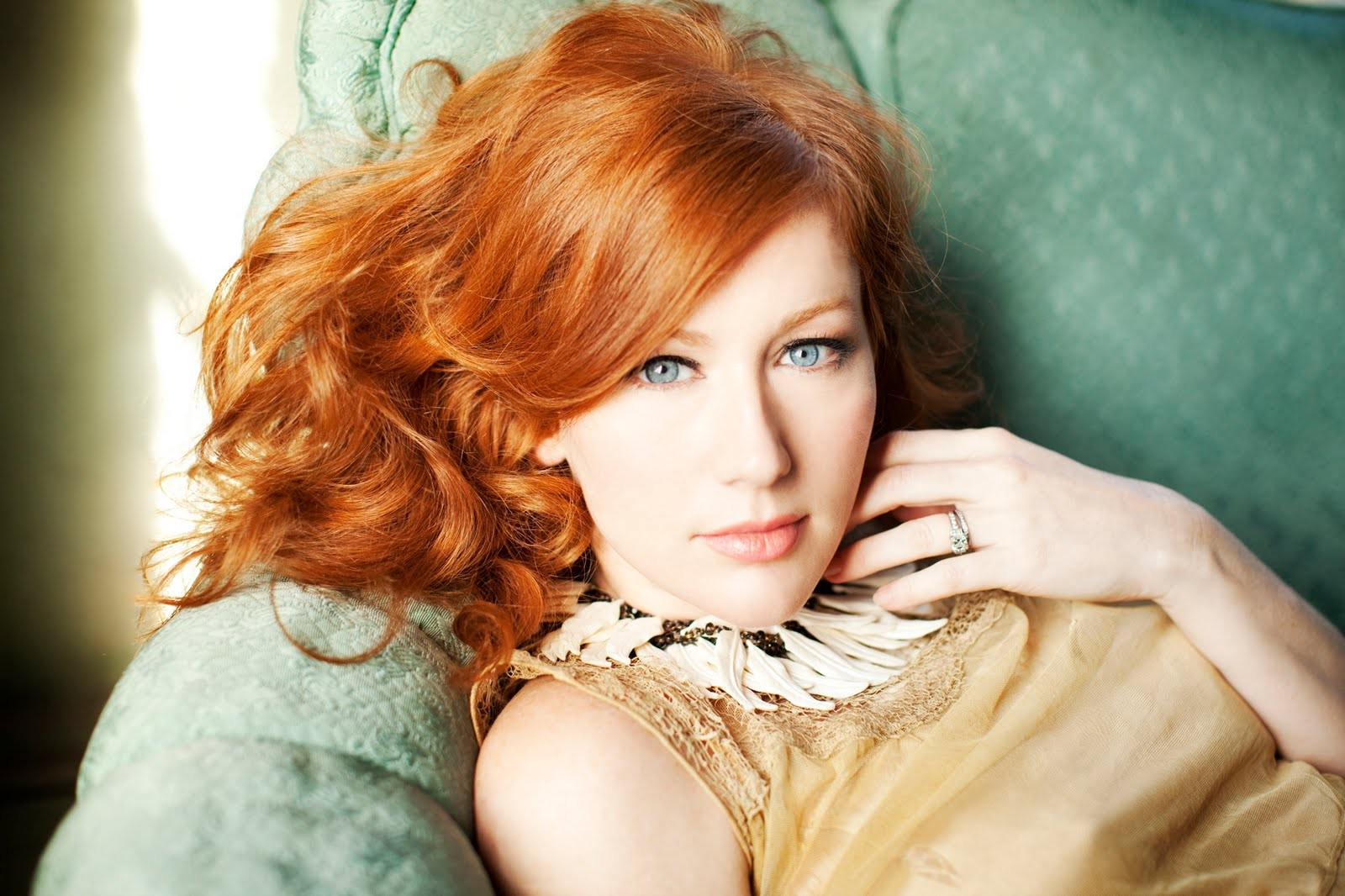 woman redheads Allison Moorer HD Wallpaper