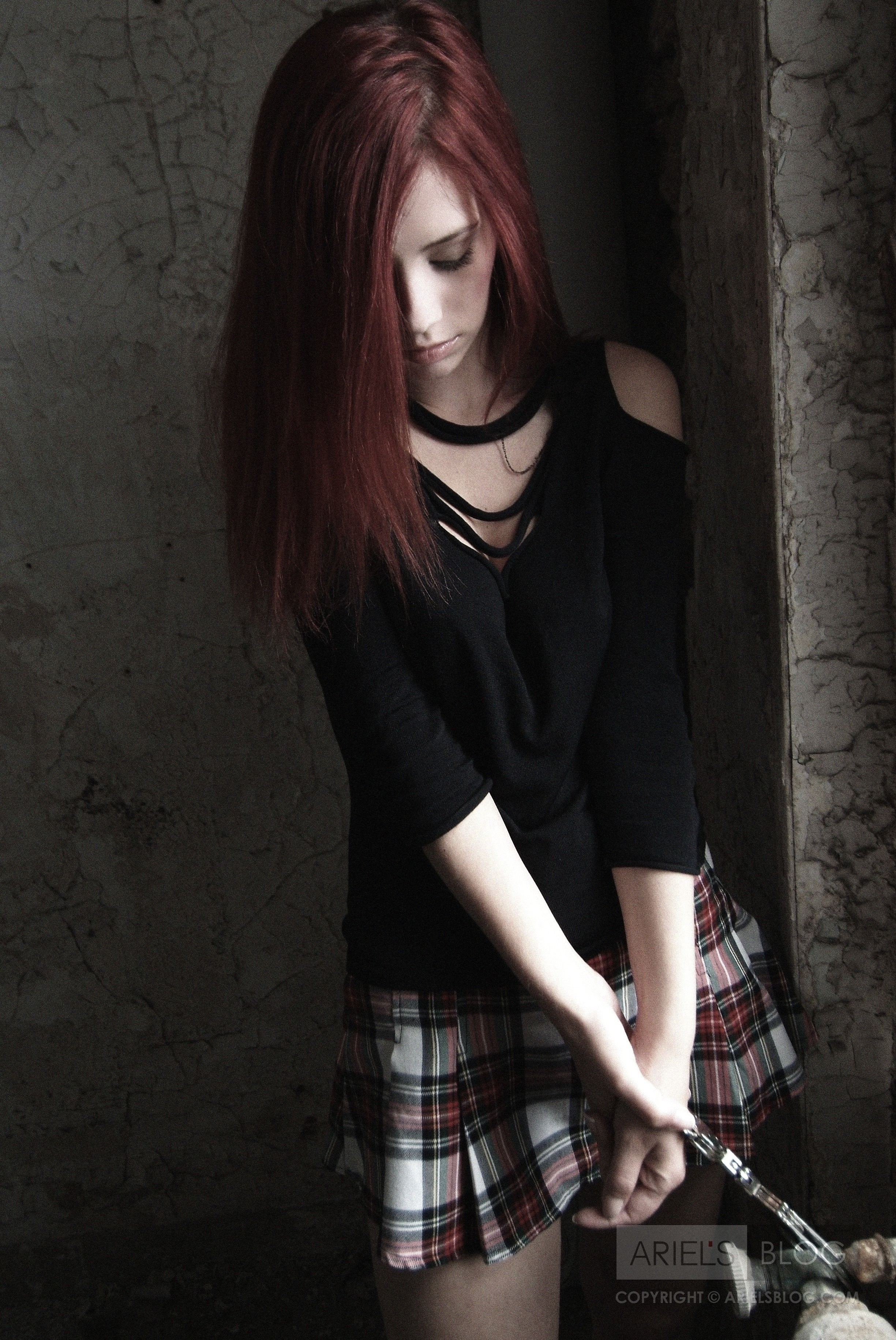 woman redheads Gothic handcuffs HD Wallpaper