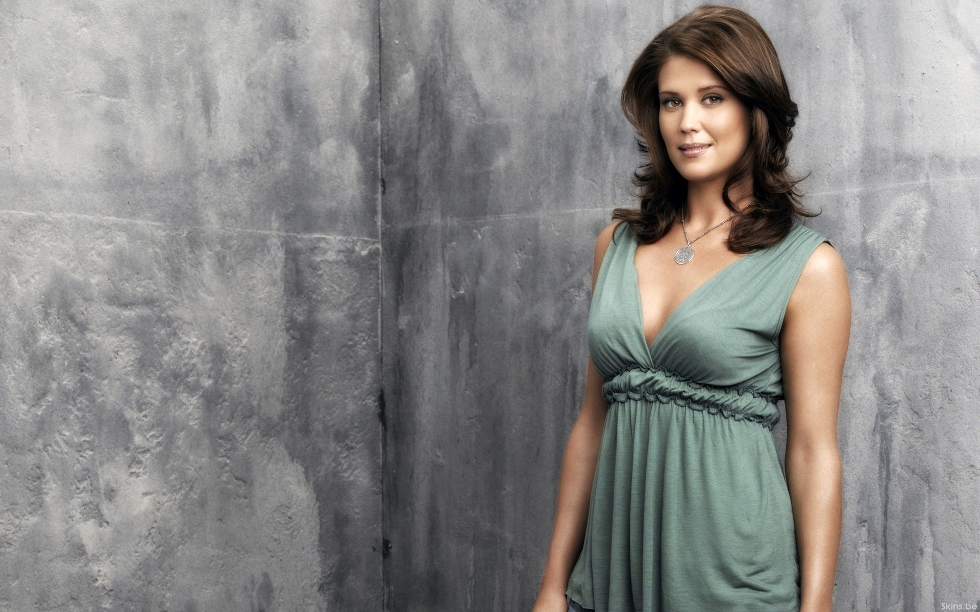 woman Sarah Lancaster HD Wallpaper