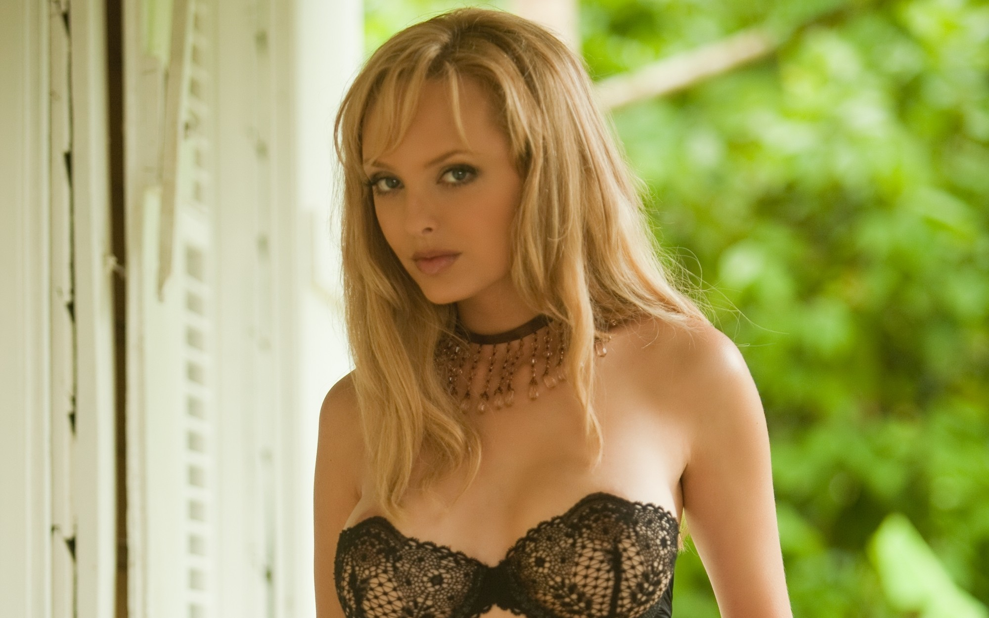 woman Shera Bechard HD Wallpaper