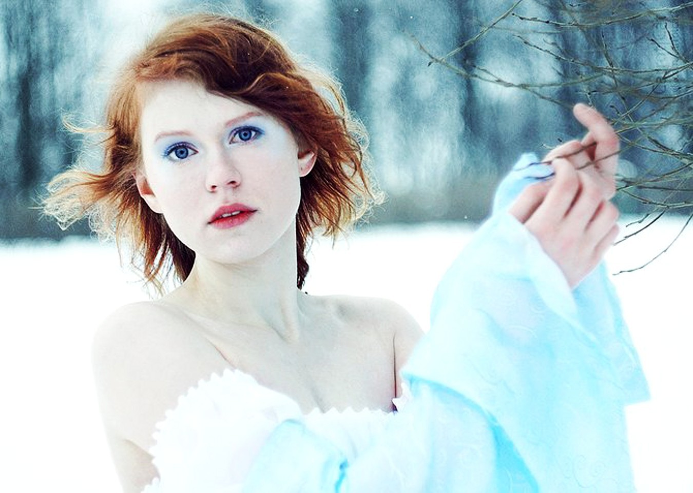 woman snow blue eyes HD Wallpaper