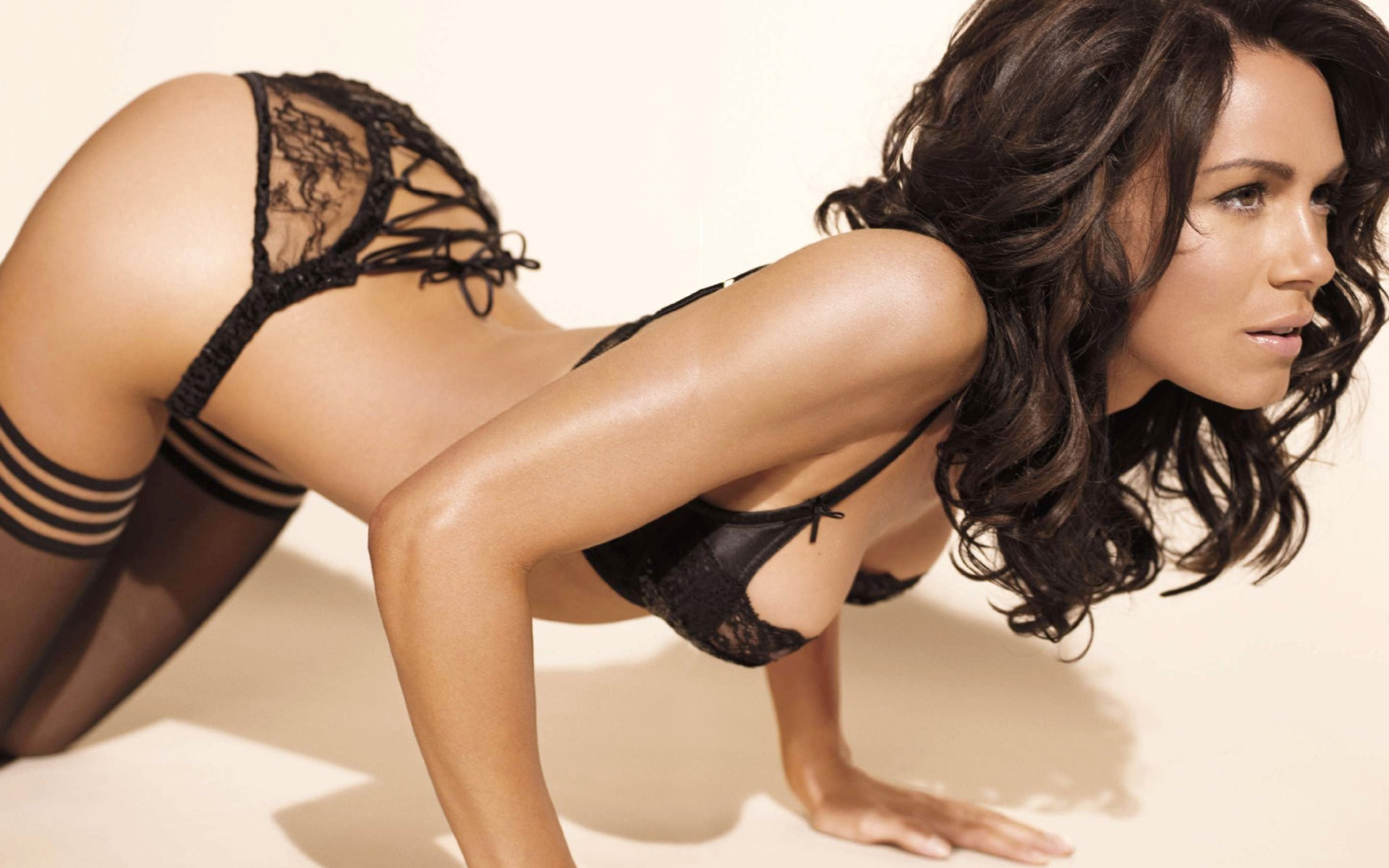 woman stockings lingerie brunettes bra HD Wallpaper