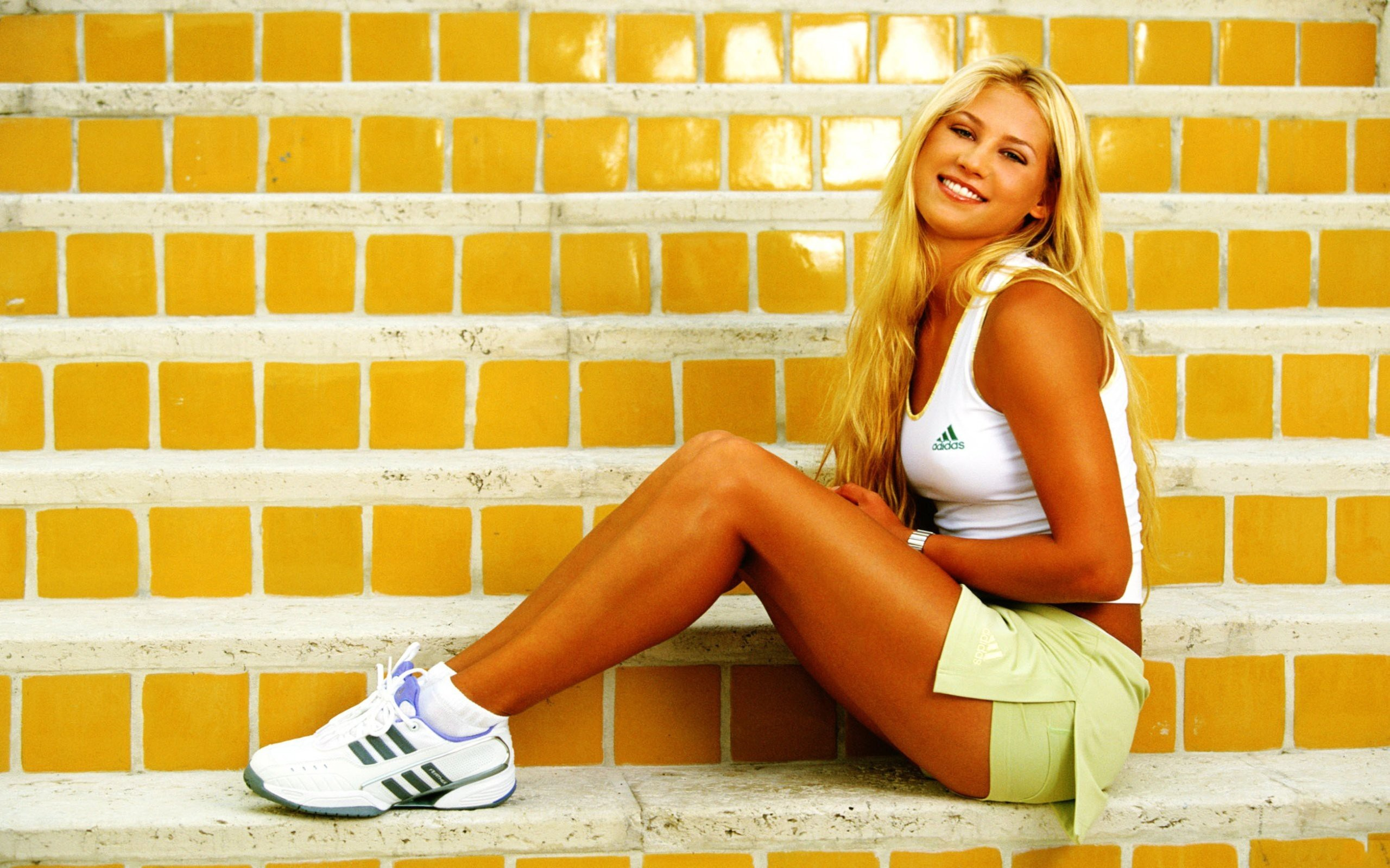 woman tennis Anna Kournikova HD Wallpaper