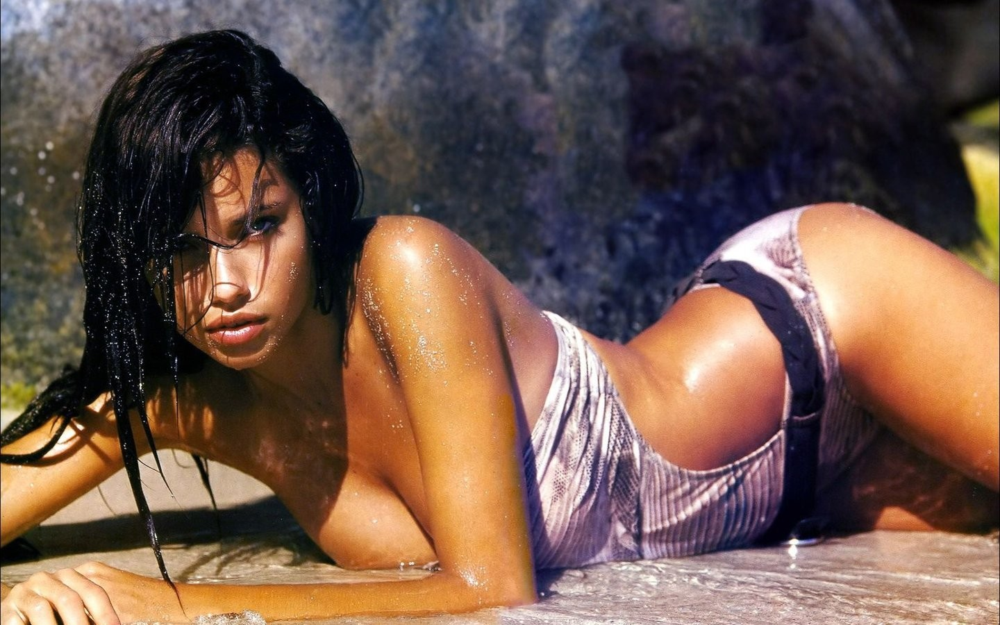 woman wet brunettes adriana lima wet clothing HD Wallpaper