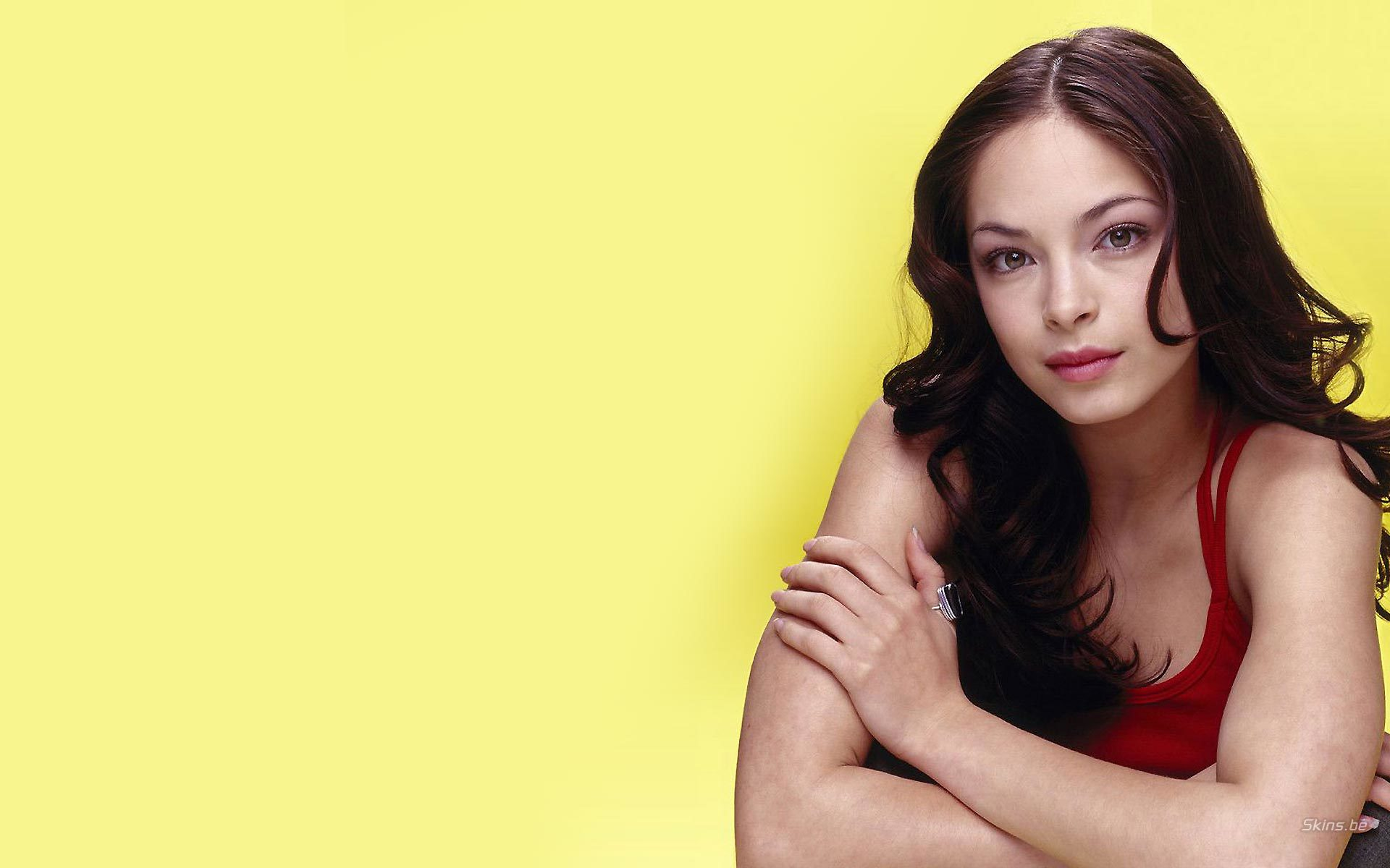 Women Actress kristin kreuk HD Wallpaper