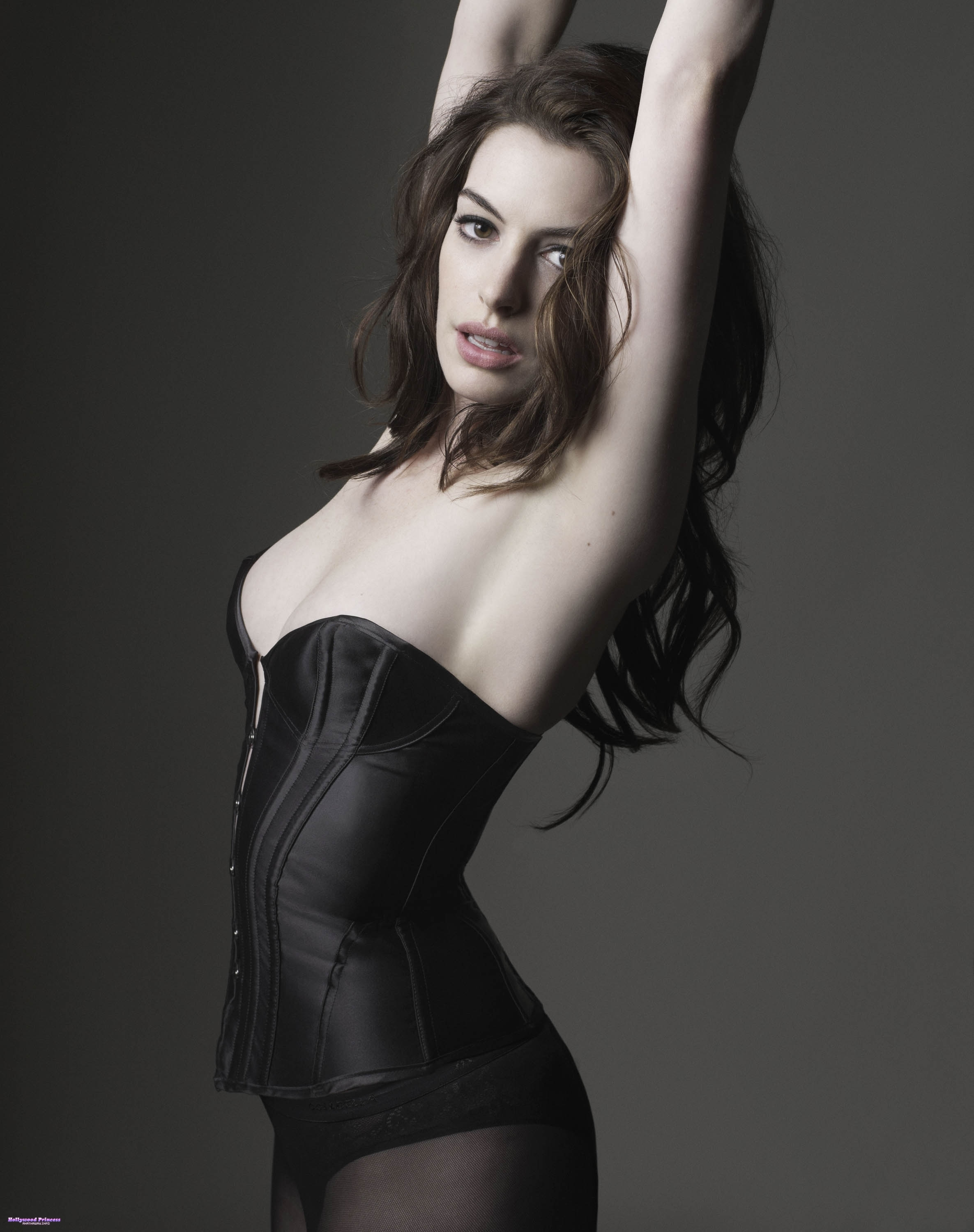 Women anne hathaway girl HD Wallpaper