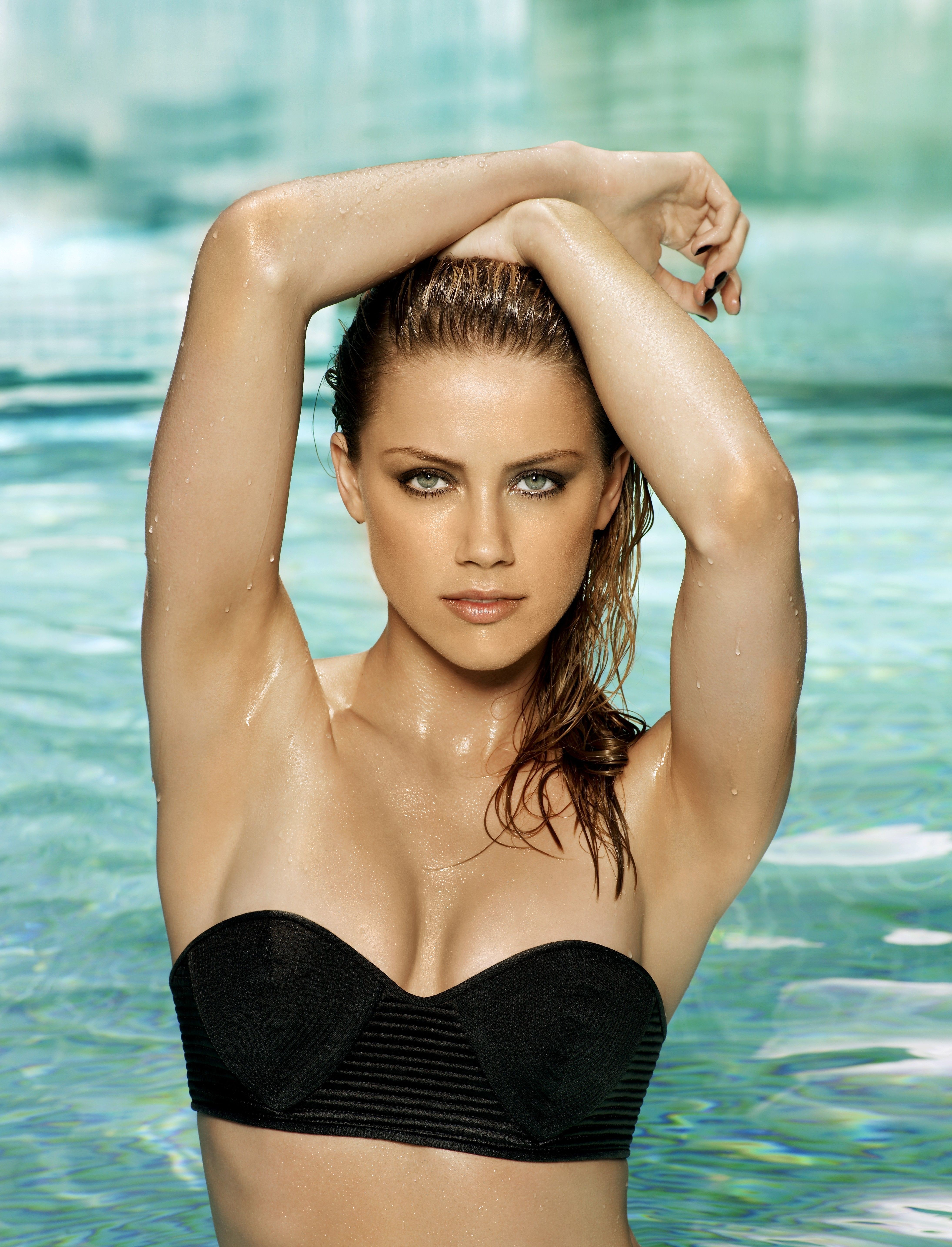 Women bikini amber heard HD Wallpaper