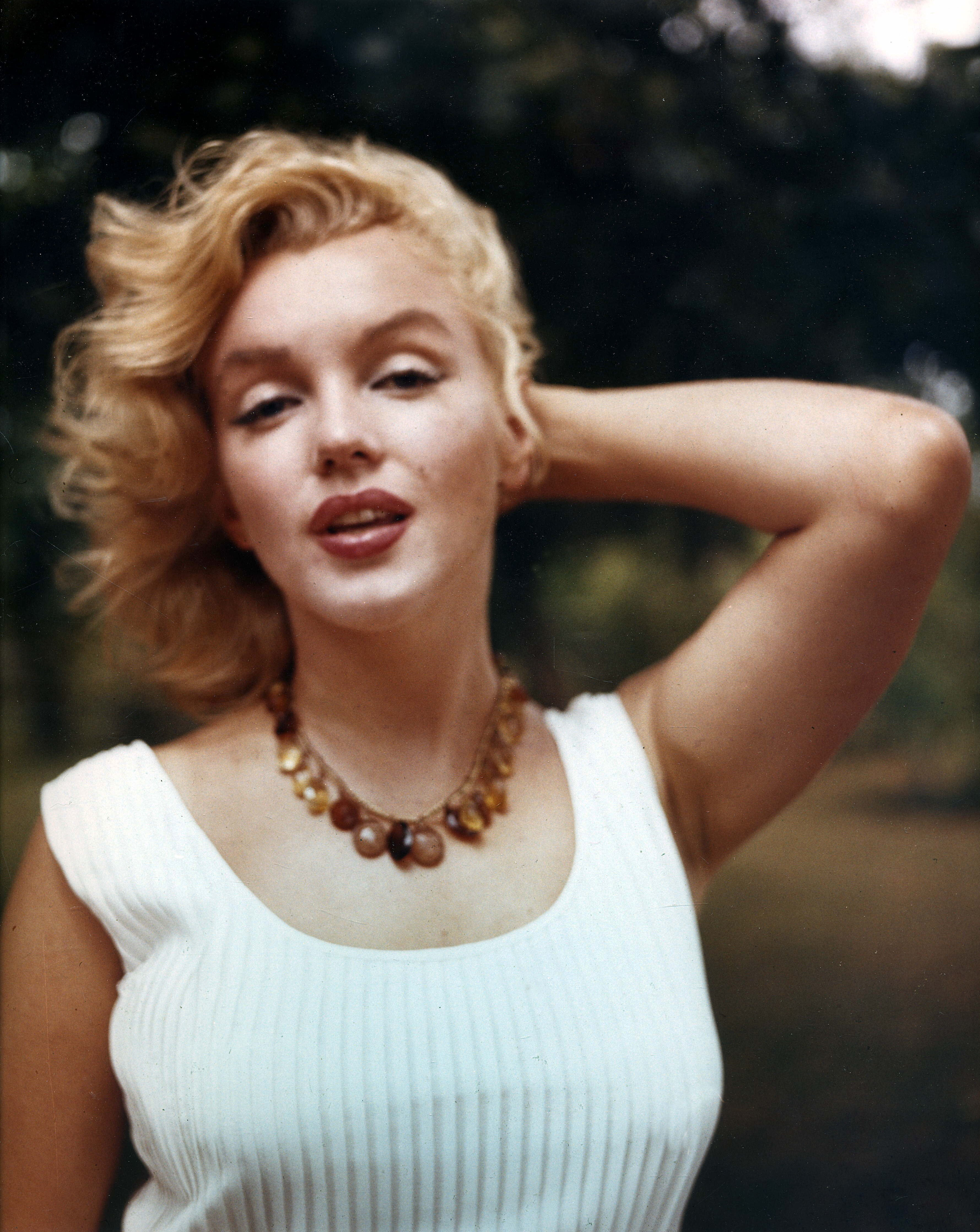 Women marilyn Monroe girl HD Wallpaper