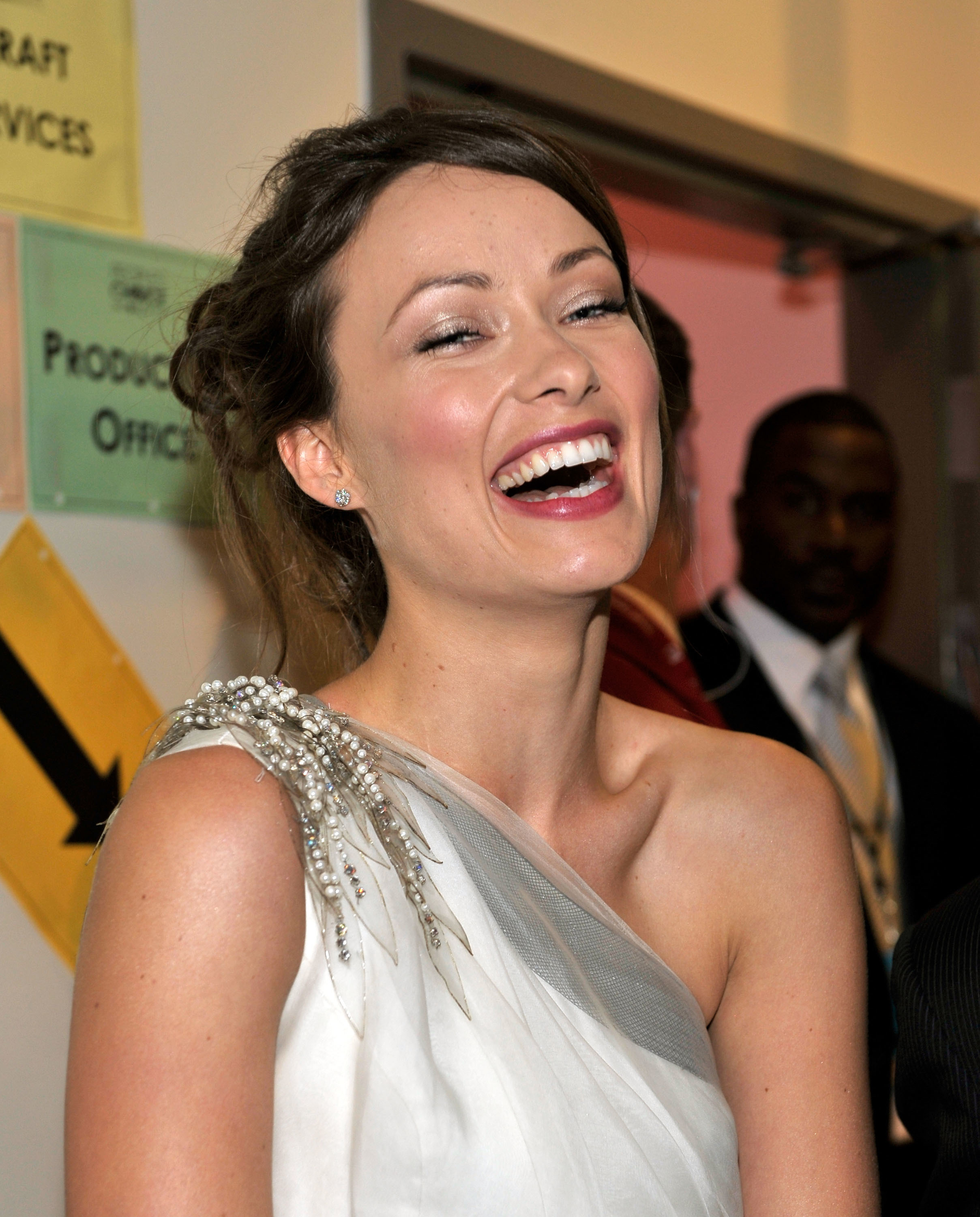 Women olivia Wilde laughing HD Wallpaper