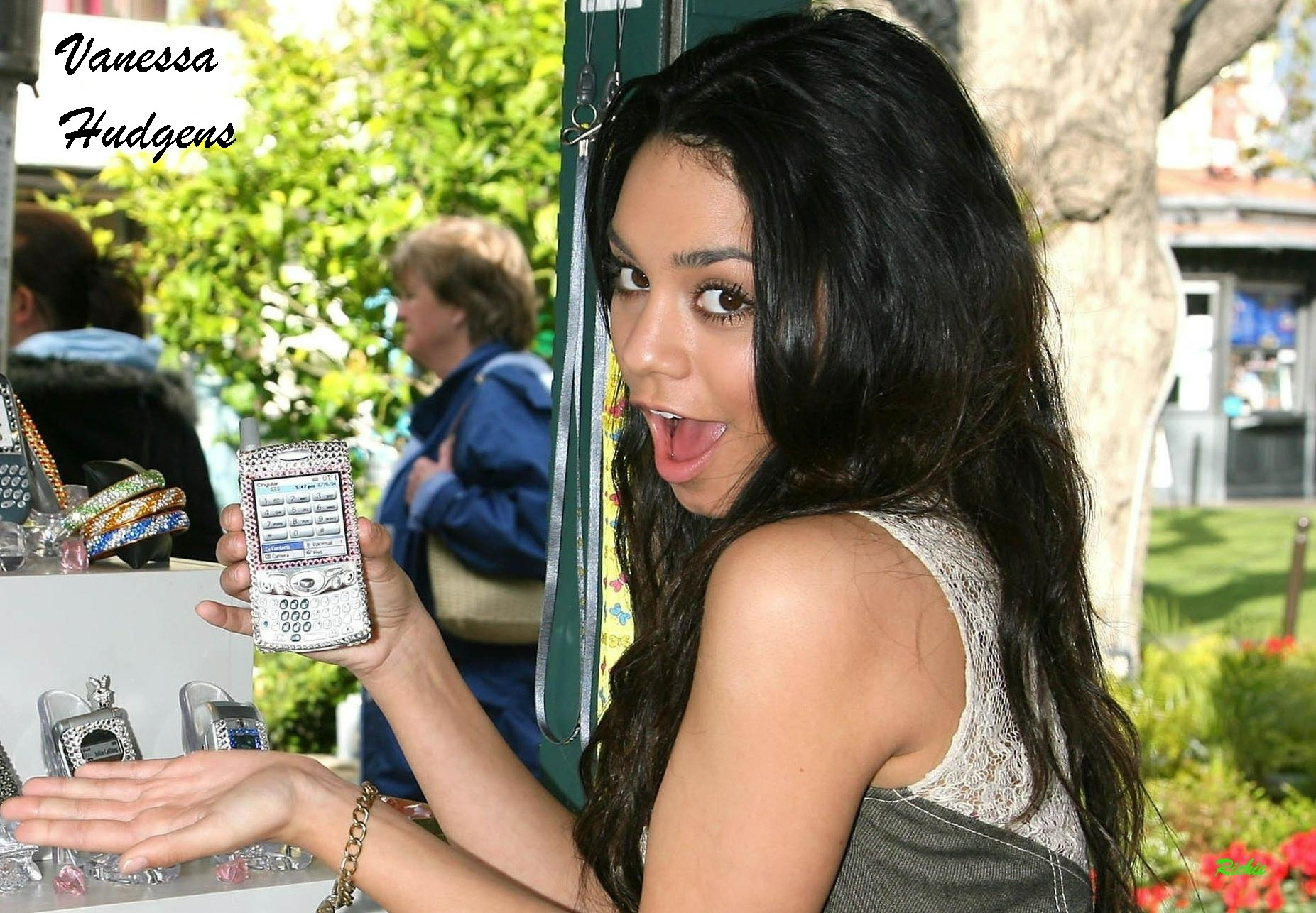 Women People vanessa hudgens HD Wallpaper