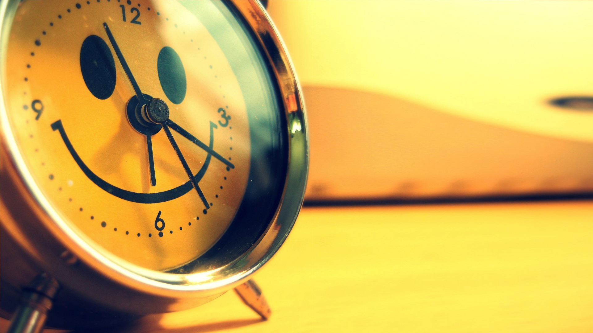 yellow smiley clocks macro HD Wallpaper