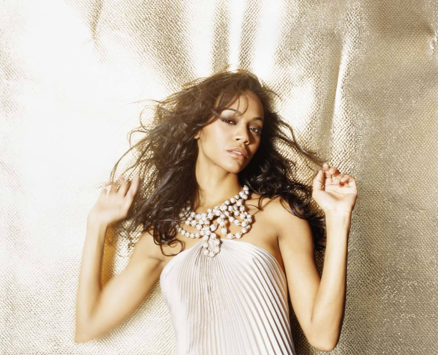 Zoe saldana Celebrity HD Wallpaper